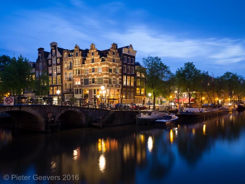 Brouwersgracht blue hour