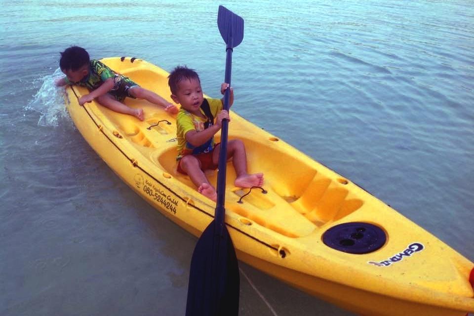 Phi Phi Islands - Kayaks, Monkey Beach - Beachfront Divers