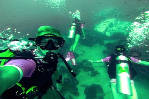 Beachfront Divers - Koh Phi Phi - PADI Selfie #ppbf.jpg
