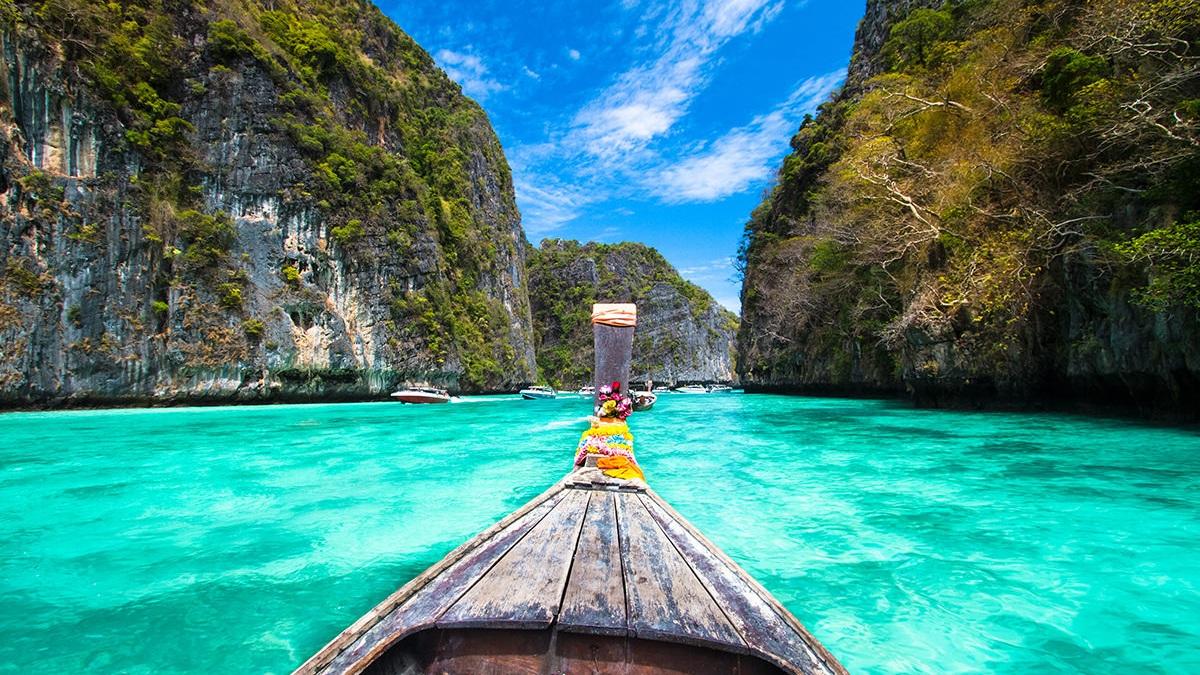 Pileh Lagoon, Phi Phi Leh. Matej Kastalic / Shutterstock