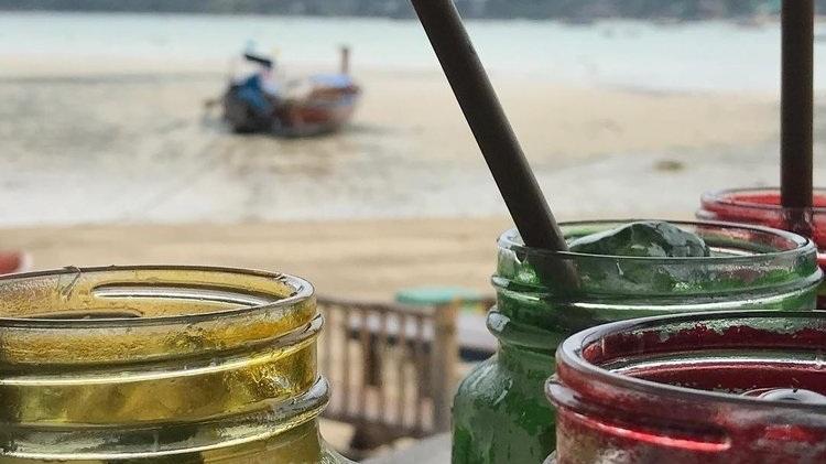 Beach+Cocktails+in+Phi+Phi+Thailand.jpg