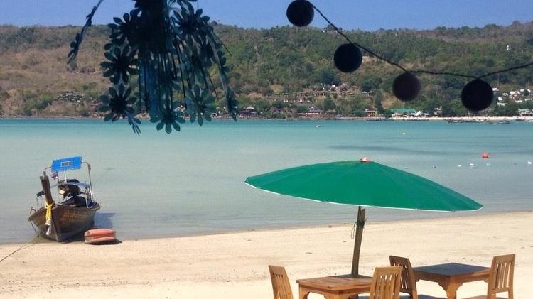 Phi+Phi+Restaurant+on+the+Beach+-+Beachfront+Divers