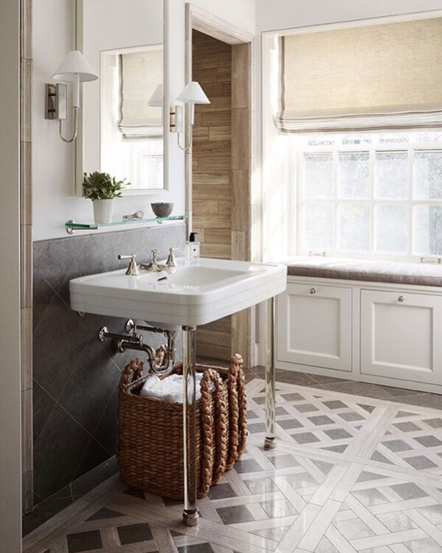 We've been pretty quiet on social media lately as we're working away on something exciting. We've been too quiet though (oops!), so we posted a console sink style guide on our blog. We styled one with our signature style and posted links so you can get the look, plus some amazing inspirational photos like this one from @caitlin_moran_lobosco I'm gobsmacked! 😍