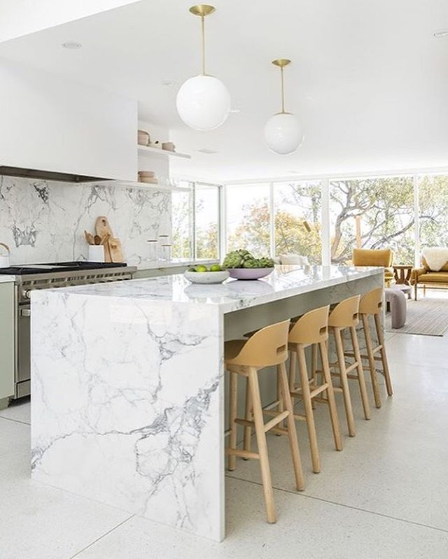 On the blog » how to make a statement with marble slab...natural stone not  the creamery.  I can't get enough, it's minimal yet high impact. 📷 Design by @sarahshermansamuel