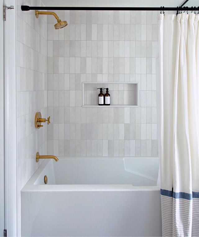 As bathroom renovators we often become obsessed with tiles as that's a big part of our projects. We love these ones from our #waverlyreno the slight variations in shade and the handmade look makes this tile so versatile and timeless.  P.S. - Kohler, we love you too 😉 • • • • • #bathroomgoals #guelph #bathroomrenovation #bathroominpiration #mikrorenovations #guelphbathroomrenovations #guelphcontractors #guelphinteriordesigner #aurelehome #aurelerenovations #MyDomaine #ruedaily #SODomino #housenvy #InspoToYourHome