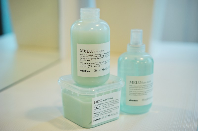 Melu  ・For long or damaged hair.  ・Characterized by a soft and creamy foam, is designed to gently cleanse long or damaged hair, making it shiny and silky.  ・With Lentil Seeds extract