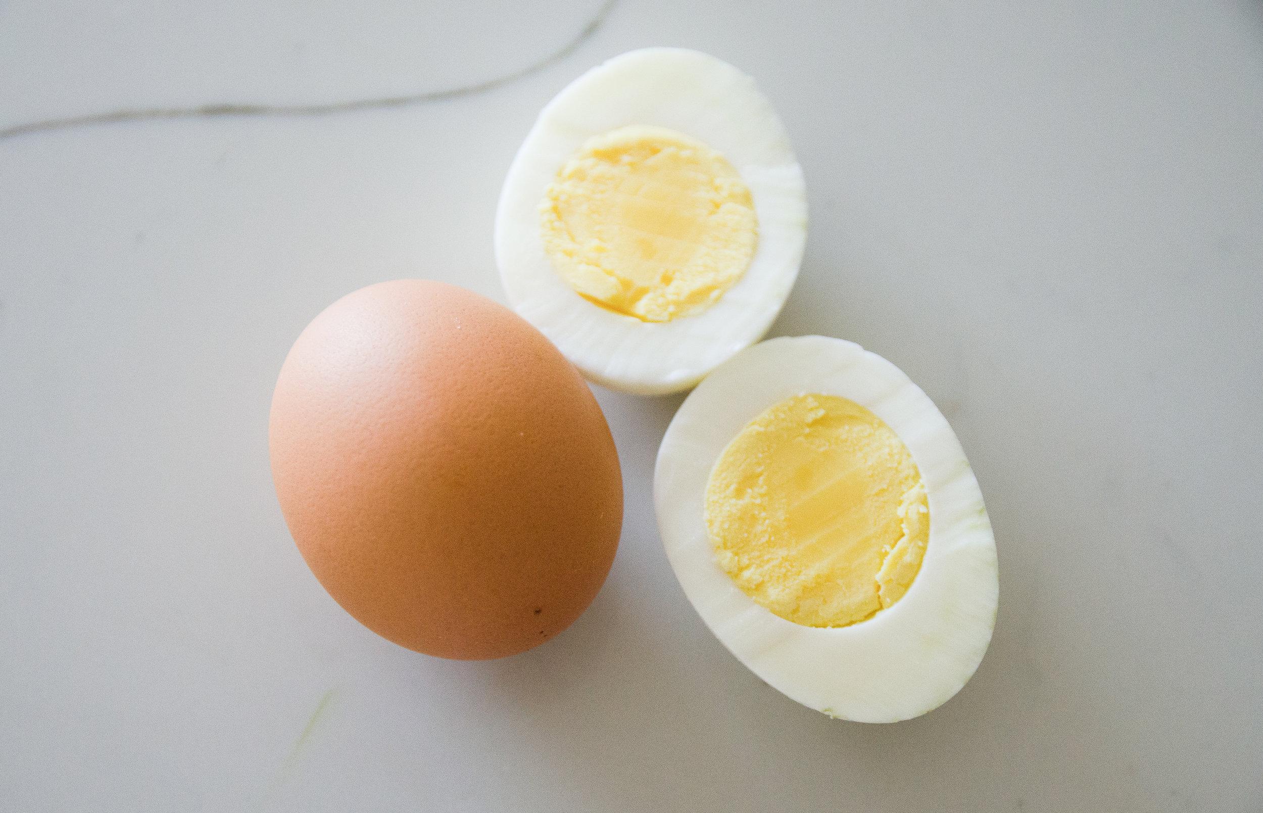 eggs_source_fats.jpg