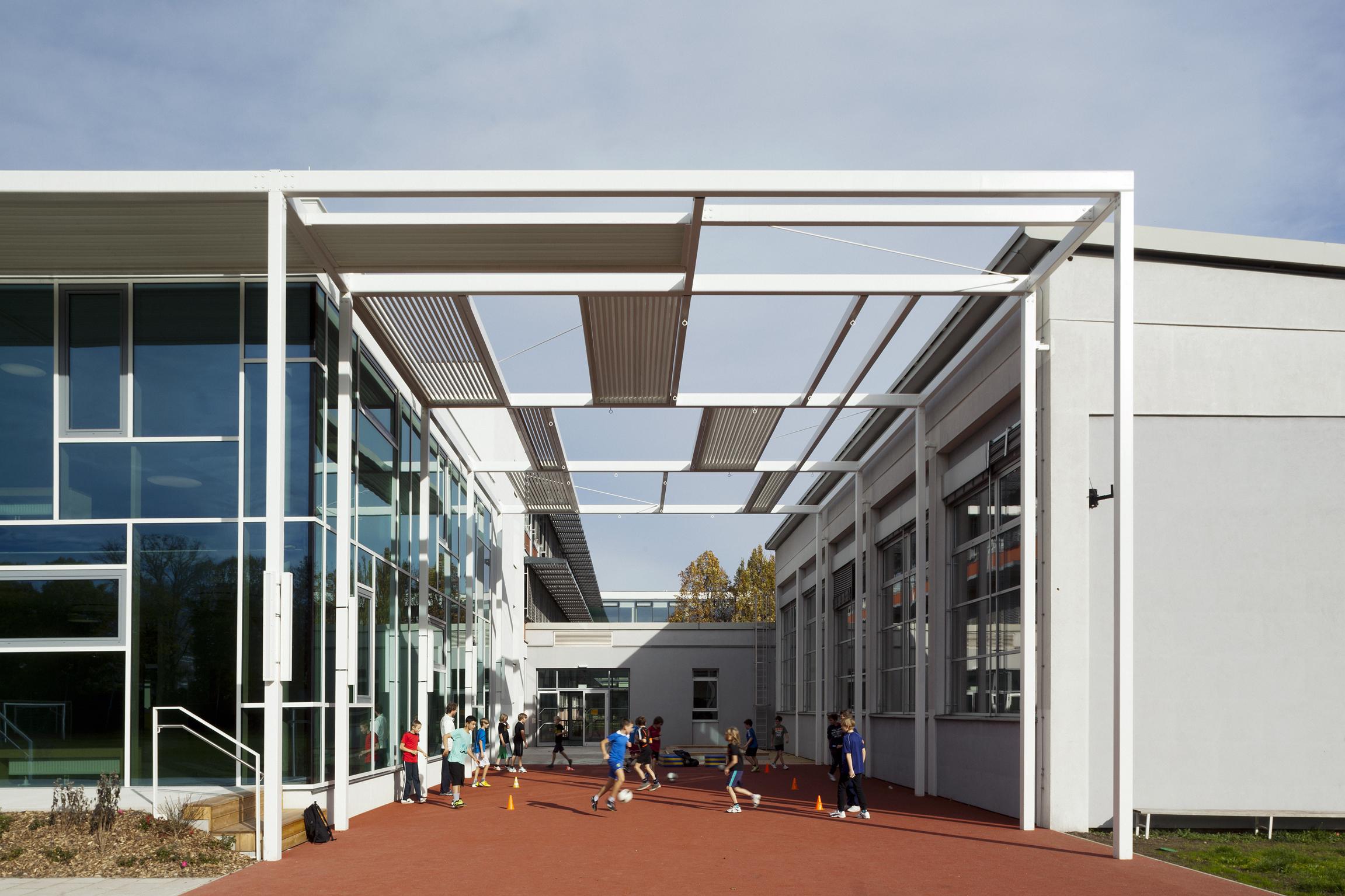 BG Zehnergasse, school extension and rehabilitation,