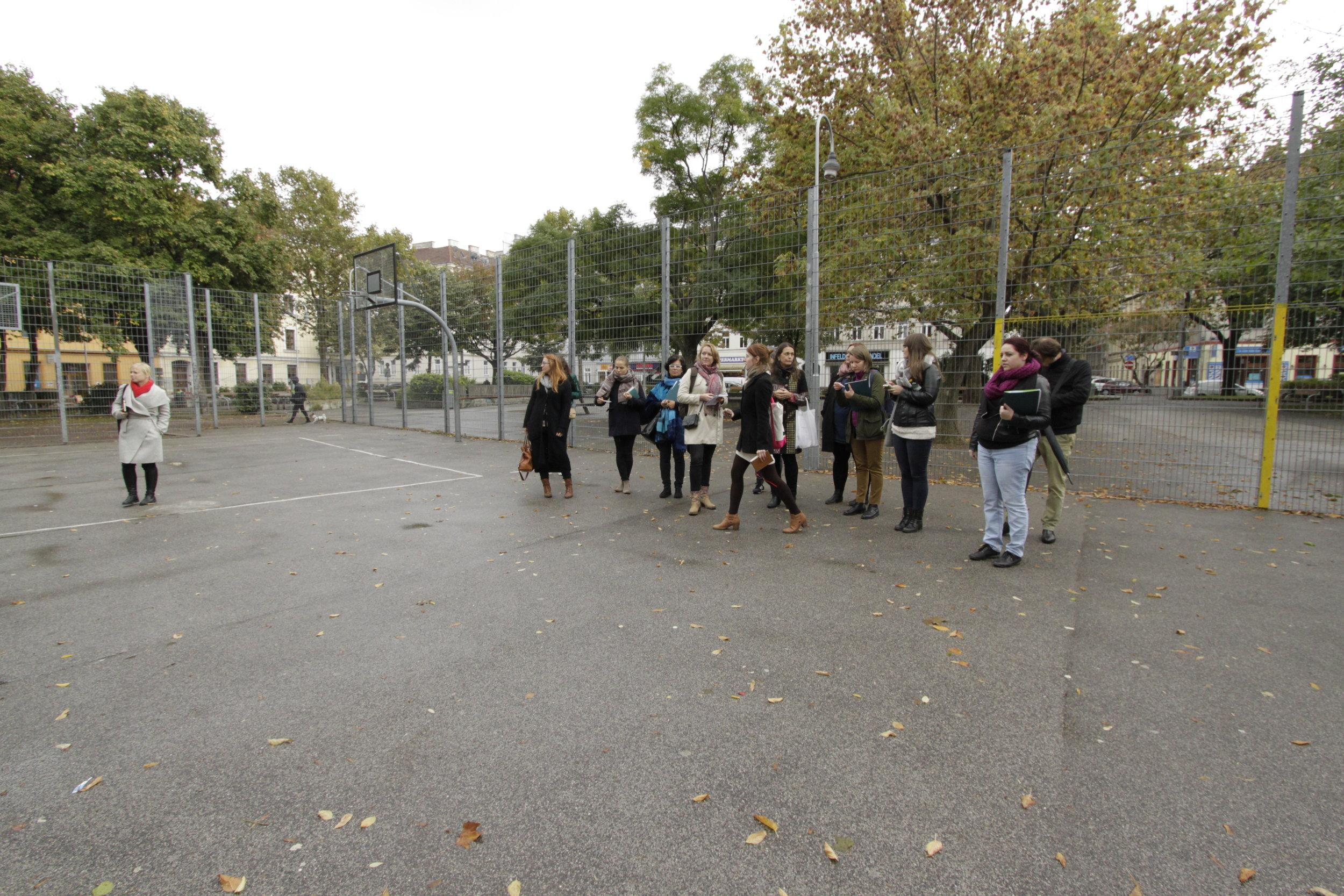 Ball cage, Einsiedler park, Vienna. Foto (c) Zdenka Lammelova