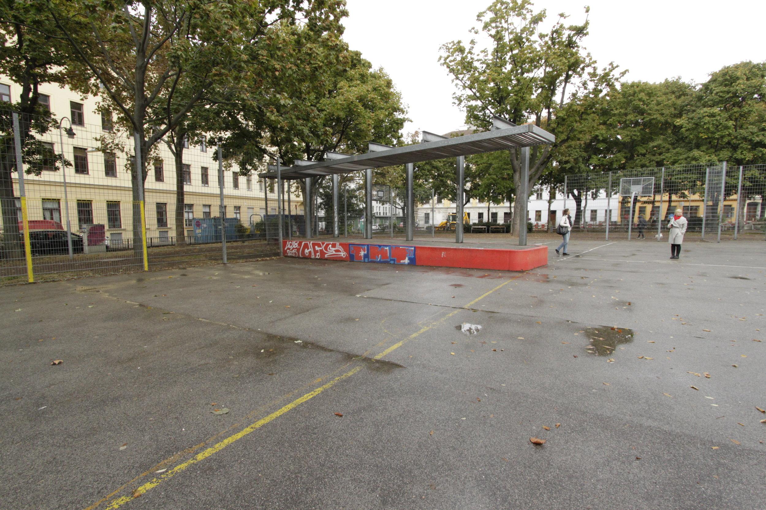 Platform, Einsiedler park. Foto (c) Zdenka Lammelova