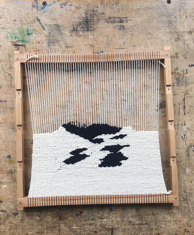 a feeling . . . #weaversofig #weaversofinstagram #tapestry #tapestryweaving #modernweaver #contemporaryweaving #canadiancraft #canadiantextiles #contemporarycraft #emergingartist #canadianartist