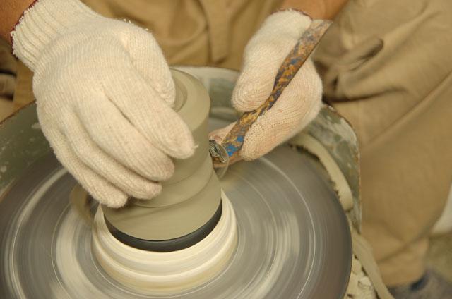 Forming Minoyaki on a Potters Wheel