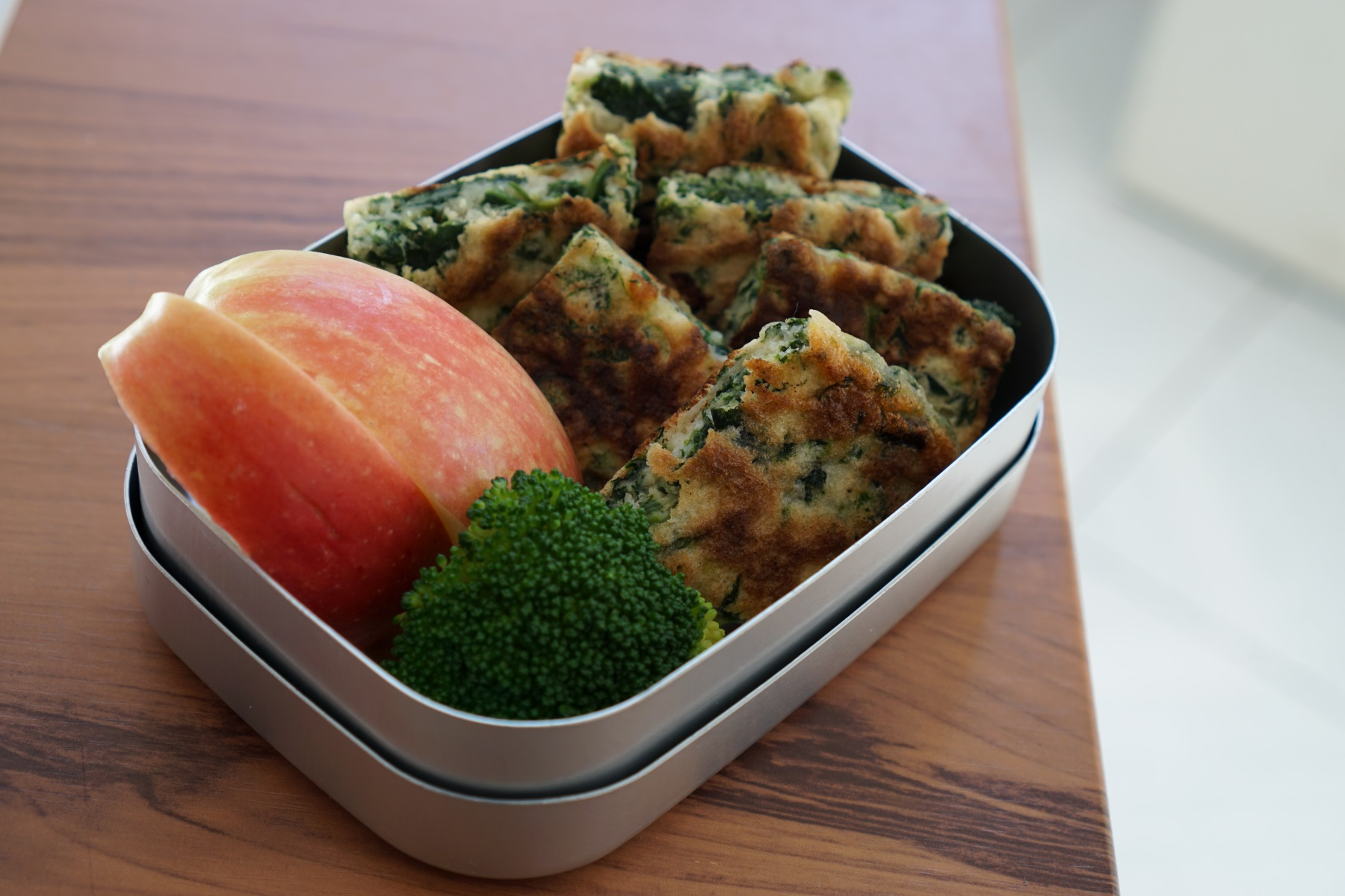 14th Thursday  Spinach cheese pancake, apple and broccoli.  This pancake contained potato starch to keep a moist texture.