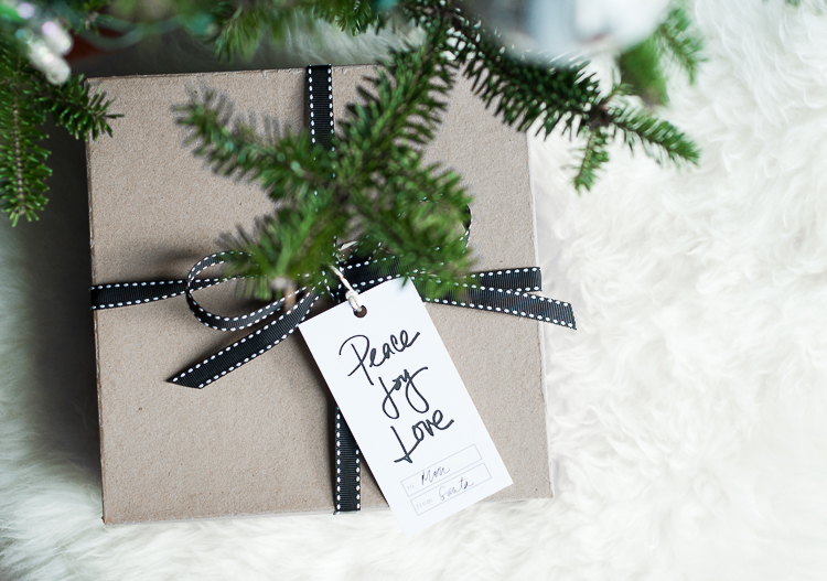free-printable-holiday-gift-tags.jpg