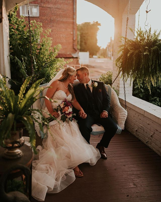 Happy Friday, and guys its a good one! The weather has been perfect these past couple days and wish it could stay — guess i'll just put this wedding on repeat instead 😍 #christanallenphotography #theemotivesociety #barneswedding #sunset #lookslikefilm #greengreengreen