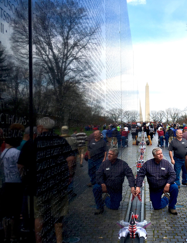 veterans-memorial-washington-dc-a-peach-life