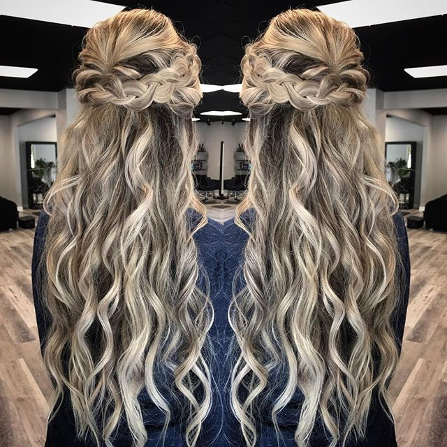 Can you say mermaid 🧜‍♀️!? Look at this gorgeous hair!! ALL hers too!! Love beach texture & braids don't you? 😍💕 . . . . . #fashion #love #hairpainting #hairoftheday #beachwaves #modernsalon #balayage #hairinspo #beauty #balayagehighlights #behindthechair #highlights #hairstylist #hairstyle #olaplex #babylights #photography #waves #hairstyles #blondehair #hairgoals #americansalon #balayageombre #hair #haircut #redken #ombre #longhair #blonde #haircolor