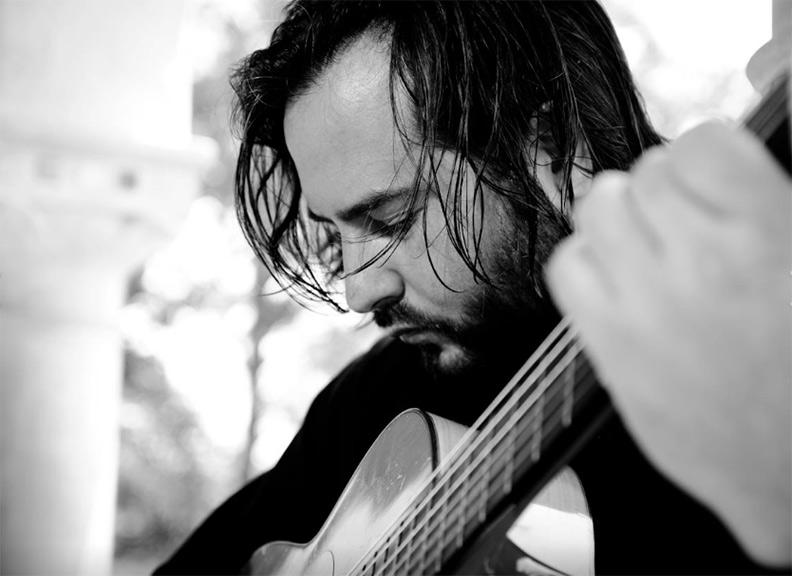 MiPaella-flamenco-guitarist-web.jpg