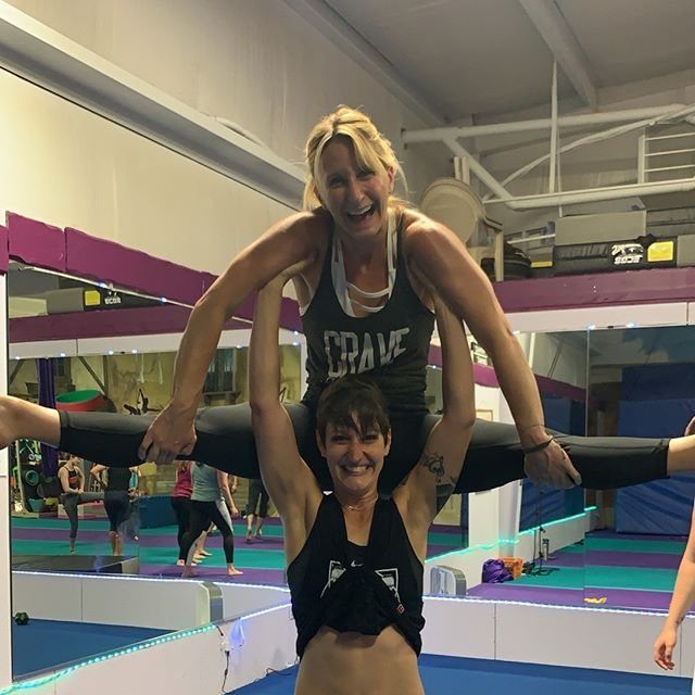 Member Monday! @collin_crave has been a great addition to our crew. We appreciate her enthusiasm and strength in our classes! Seeing her on Thursday nights truly brings smiles to our faces. Shoutout to Katie for bringing her friends to us and lifting them up (literally!) We appreciate you ❤️ • • #acro #acroyoga #acroyogafun #acroyogalove #acrobatics #acrofamily #acrolove #partneroga #partneracrobatics #circus #circusfamily #circusaroundtheworld #fitness #thankful #appreciationpost