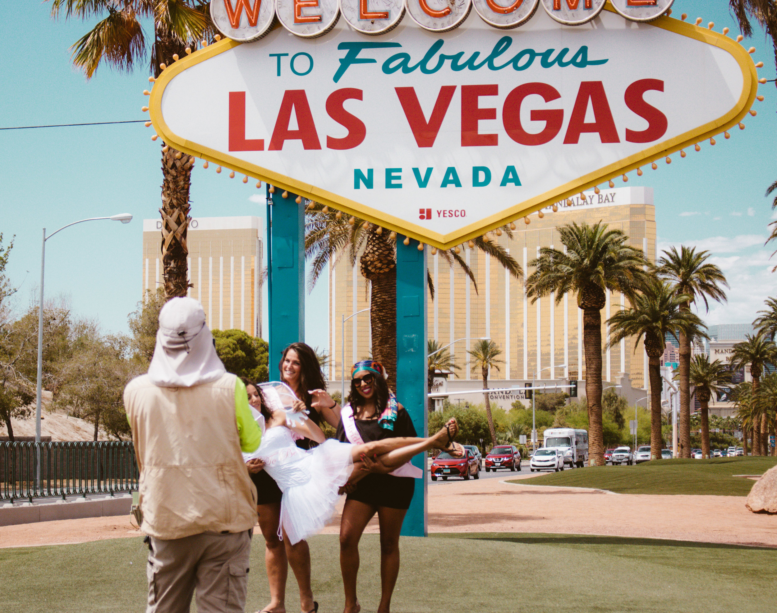 How To Get The Perfect Picture At The Vegas Sign | SaltWaterVibes