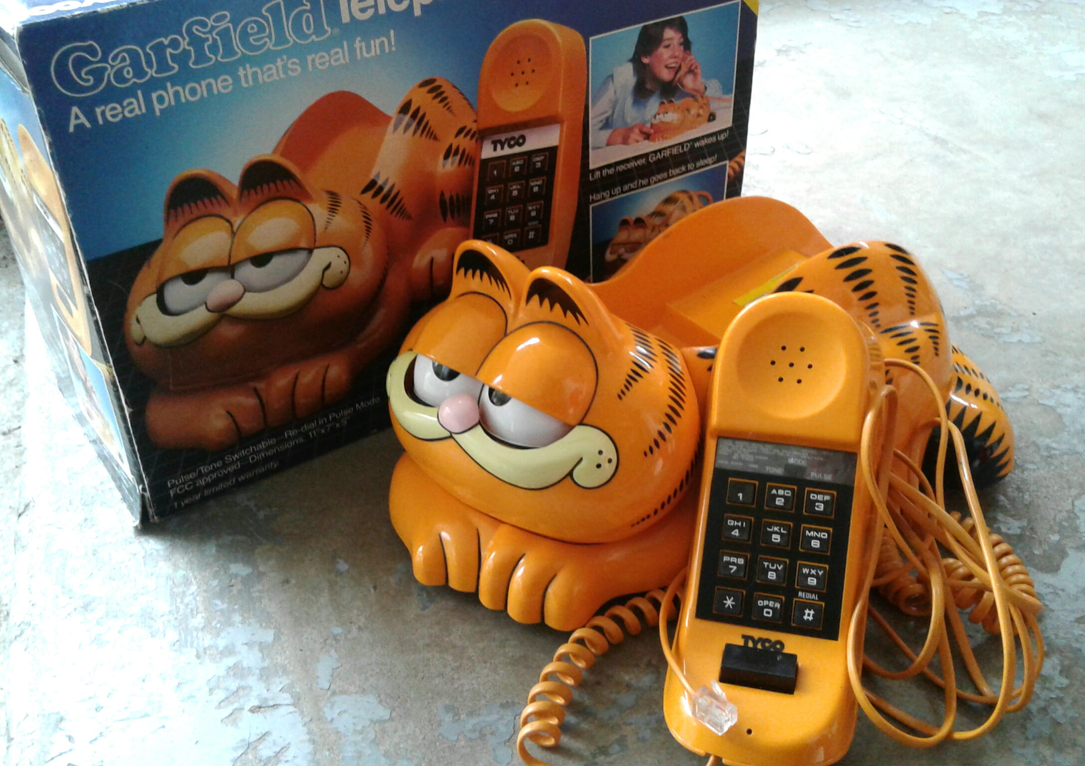 I wanted this phone so badly, the eyes are closed until you take the phone off the receiver. So darn cute! This one from the 80s is available from  Rathgars   Collectables