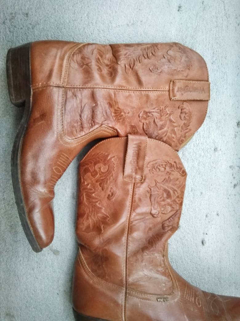 Vintage Wrangler Boots  with Aztec Horses Pattern