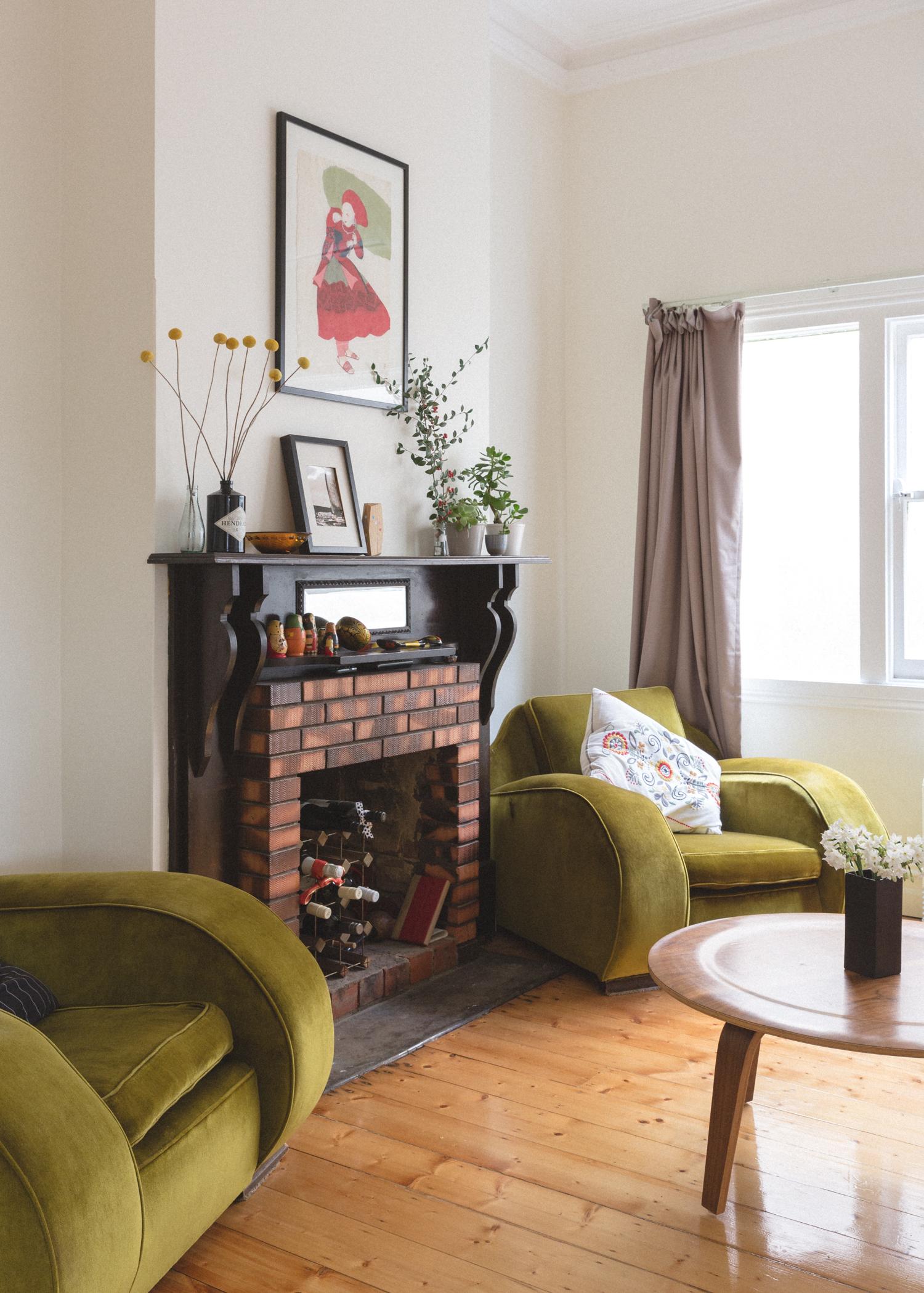 sharehome lounge room emma franka martijn
