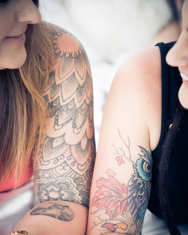 Cute close up of these two lovers 👩❤️👩 . . . . #monday #lovers #arm #tattoos #inkedgirls #couple #photoshoot #adelaide #boutique #studio #adelaidephotography #adelaidephotographer #avaloncityimaging