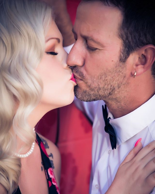 Valentines Flash Sale NOW ON! ♥️ ONLY $29.....spoil your valentine this Feb 14th - 2 hour photoshoot session -  Hair + Makeup - Champagne + Chocolates - 12 x 8 print - Valid for couples or boudoir Offer expires Feb 16th 2018...BE QUICK! Email the studio avaloncityimaging@gmail.com and quote the code VFS