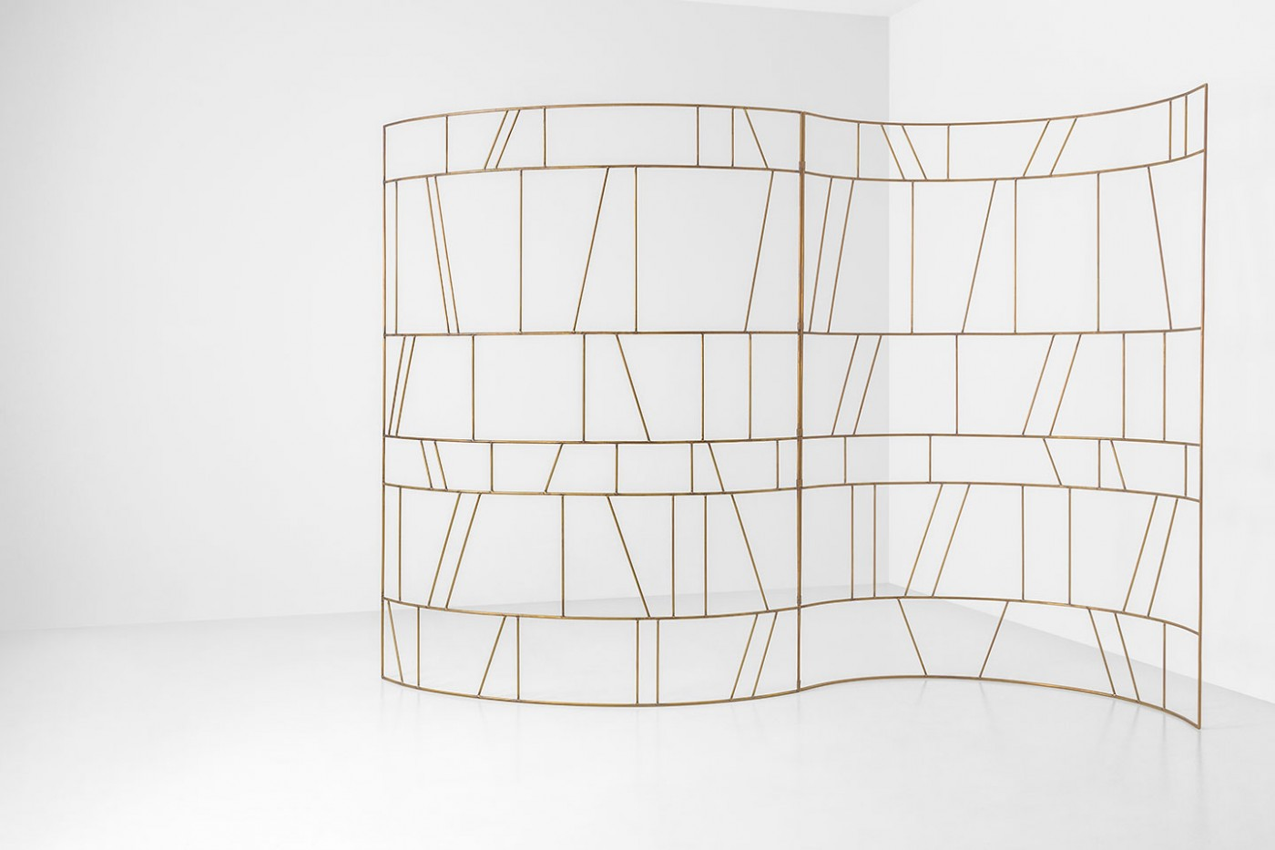 Dimore studio brass screen divider