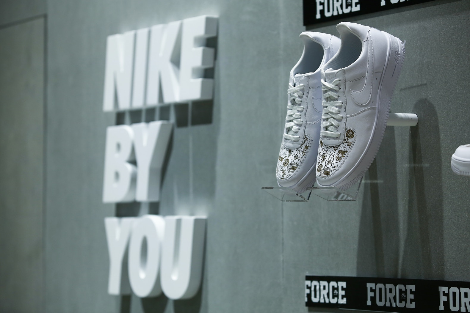 http-%2F%2Fhypebeast.com%2Fimage%2F2017%2F09%2Fnike-sportswear-the-court-by-force-booth-yohood-3.jpg