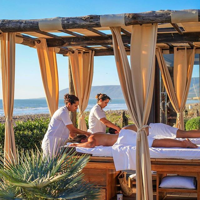 How about a relaxing massage to start your day with the sound of the waves and the ocean breeze in #Agadir☀️🌴😛 ? If you want to experience this relaxing holiday at the best price, you can count on #saharatoursinternational ! #nostress #relax #morocco #beach #sun #holiday #cool #happy