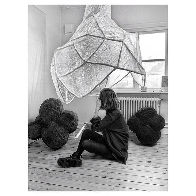 Studio 🖤 #artstudio #contemporaryart #artstagram #artofvisuals #abstractart #sculpture #concretesculpture #studio