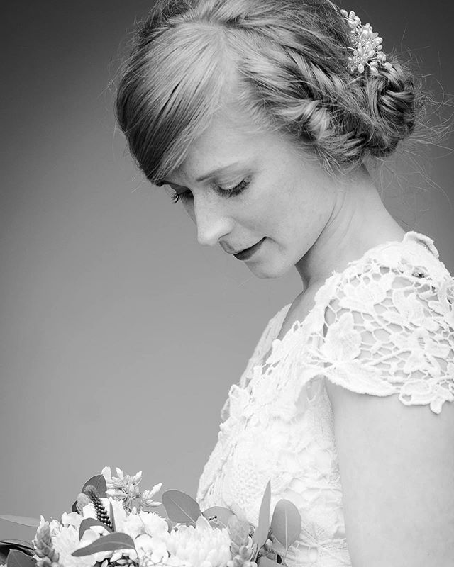 Oldie but goldie 🙏🏻❤️ ——————————————————————— #dearphotographer #annikaliinankiphotography #weddingphotographers  #theknot #loveauthentic #stylemepretty #loveintentionally #häät #thehappynow #huffpostido #colorcrush #pursuepretty #dowhatyoulove #creativebusiness #hääkuvaaja #ighaakuvaajat #nordicweddings #annikaliinankiphotography  #bröllop #valokuvaajanaiset #meidänhäät #helsinki  #weddingportrait #ighaakuvaajat #topwedday #weddinphotographer #internationalweddings #viitasaarenyrittäjät #bride #bridestyle
