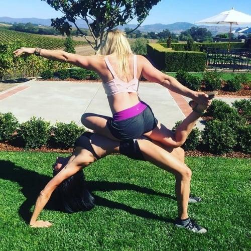 friend-acro-yoga-napa-valley-love
