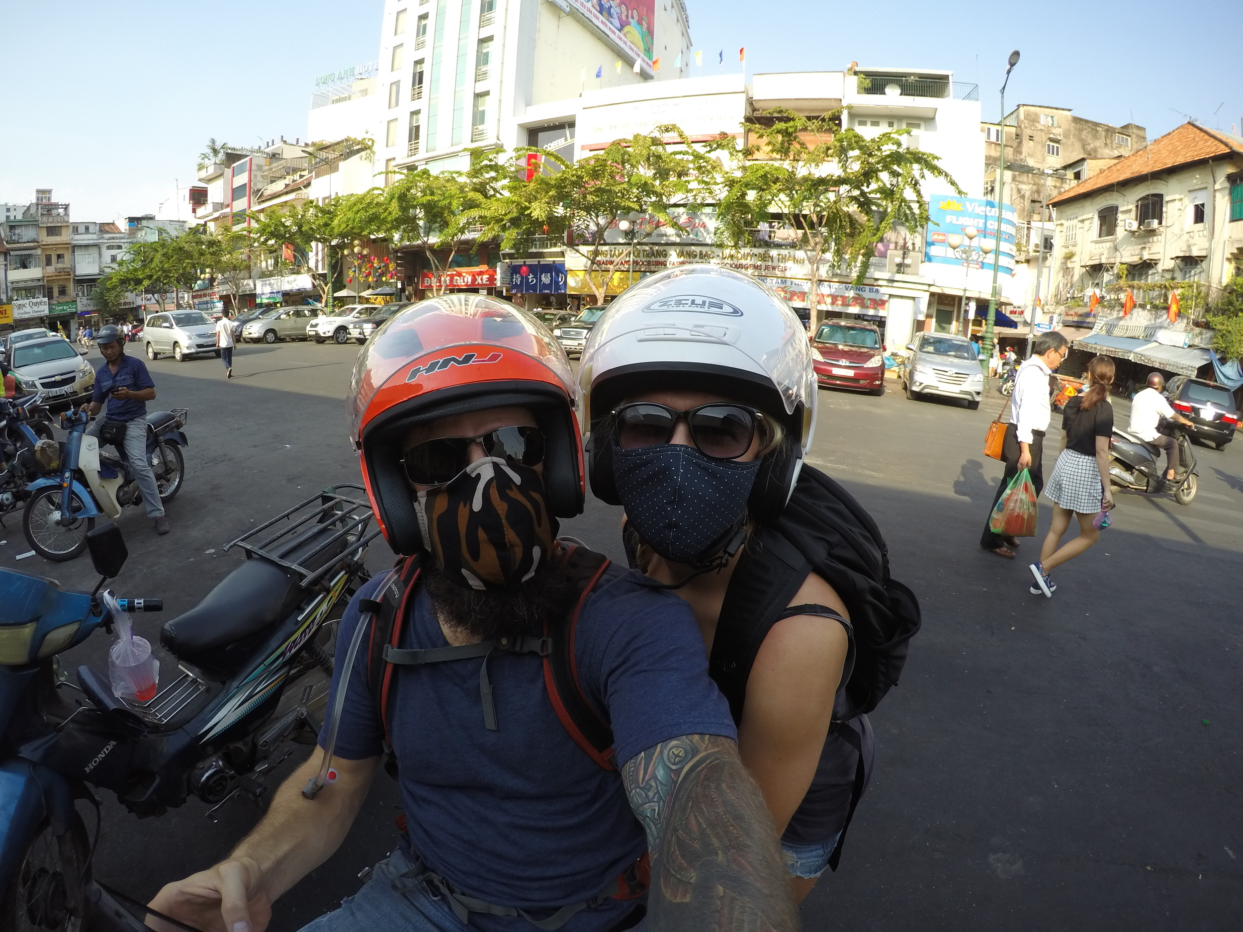 motorbike-vietnam-blog-couple-hcmc-saigon