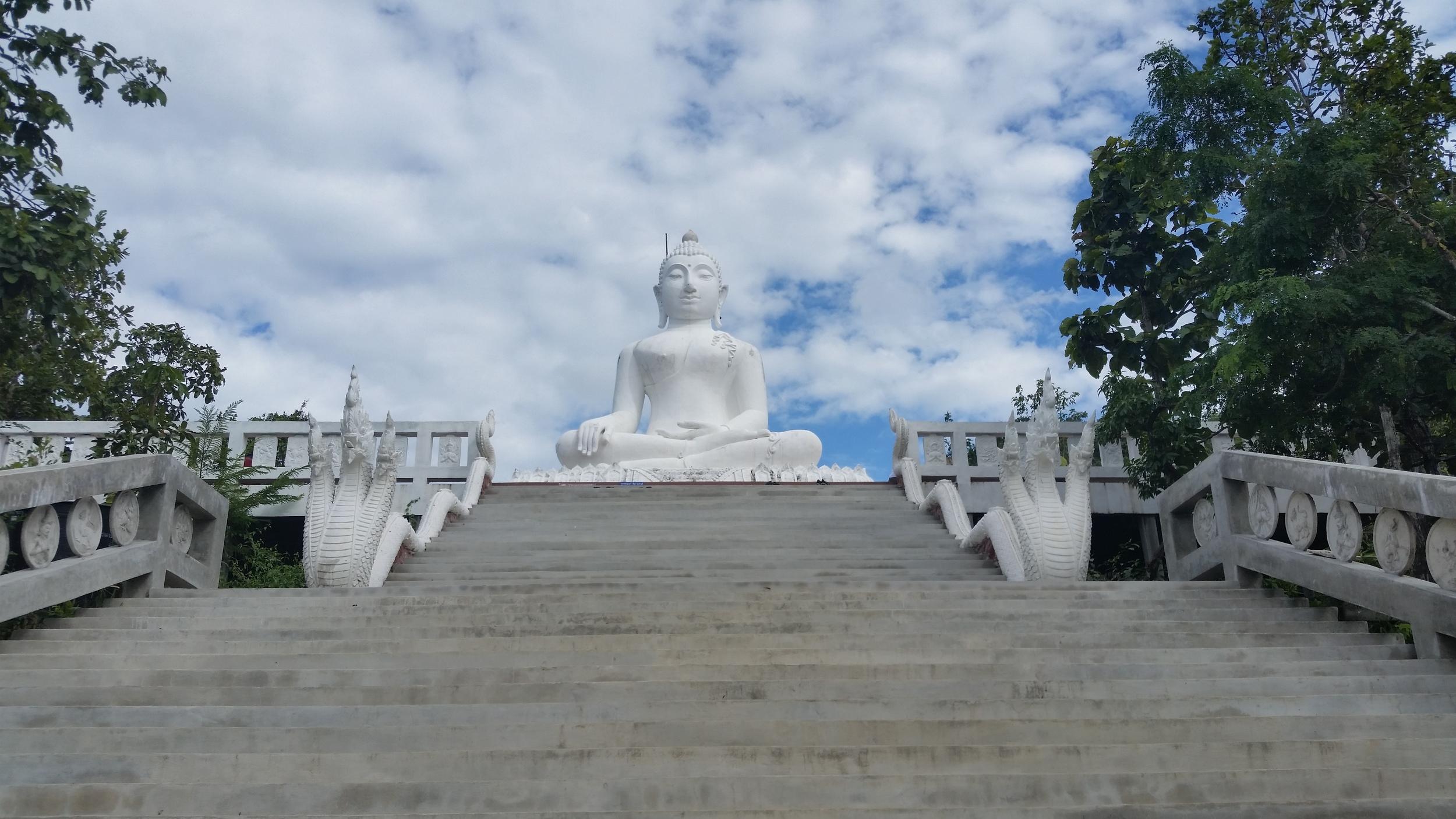 White Buddha on the hill - Pai