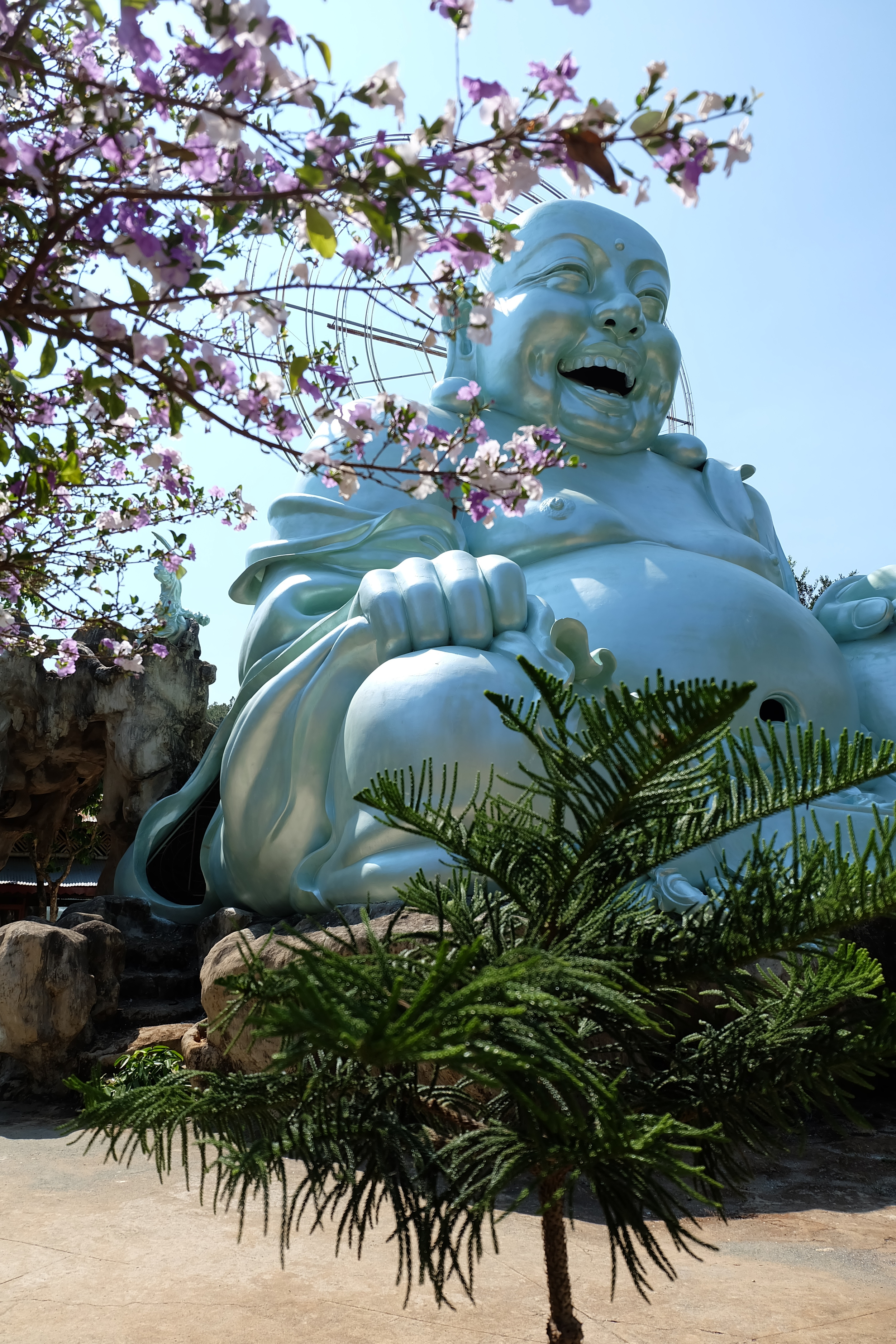 buddha-temple-da-lat-vietnam.JPG