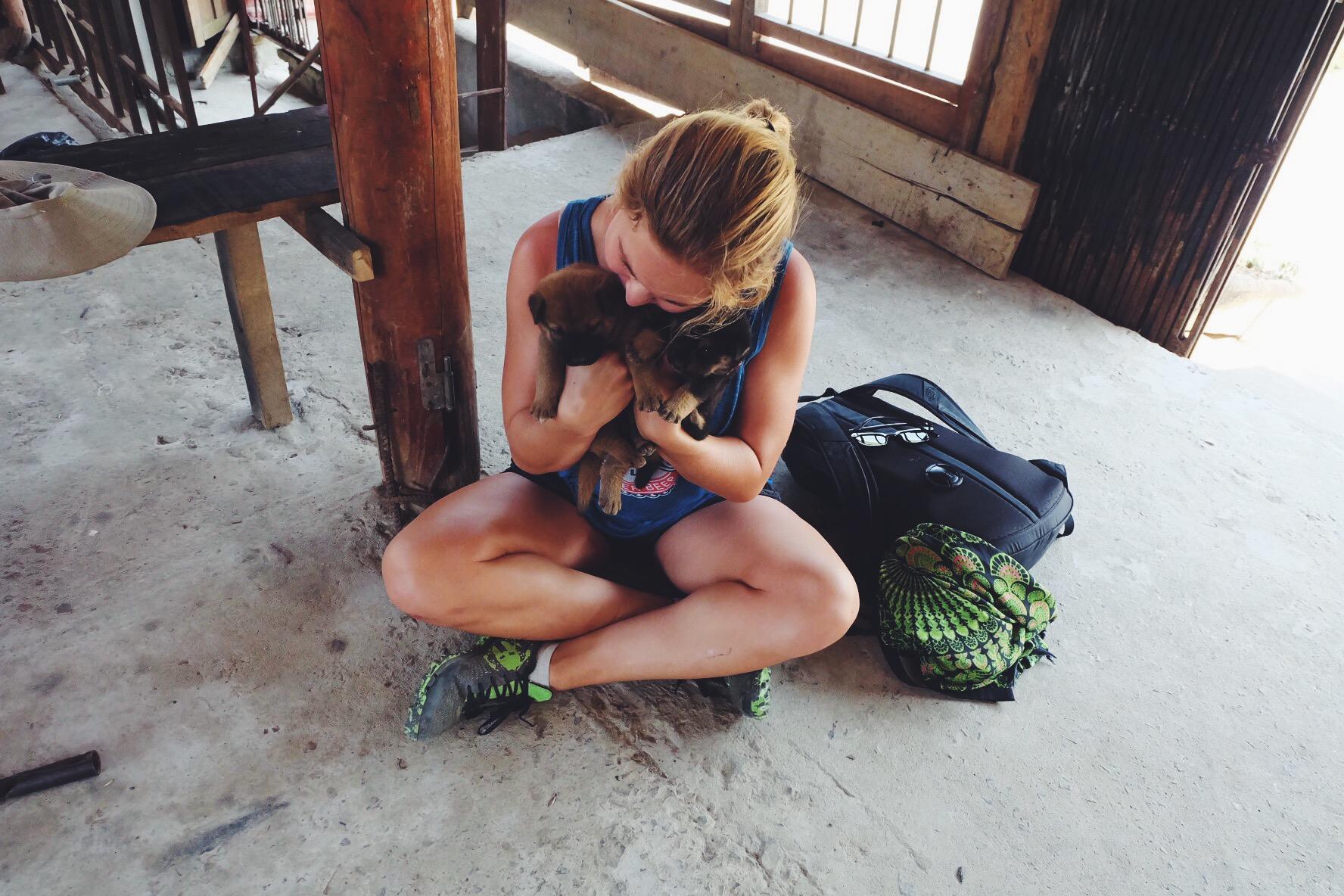 puppy-sapa-vietnam-blogger-travel.JPG