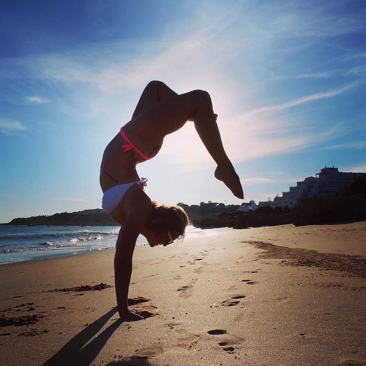 beach yoga = free