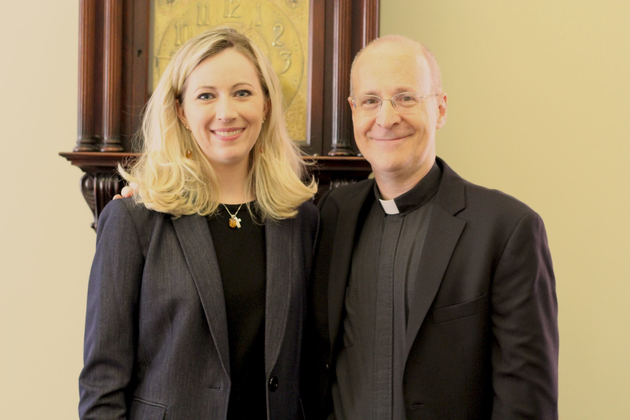DEANNA HOWES & REV. JAMES MARTIN, S.J. AT THE CATHEDRAL OF ST. MATTHEW THE APOSTLE IN WASHINGTON, D.C. (PHOTO BY R. CARLO CARAG)