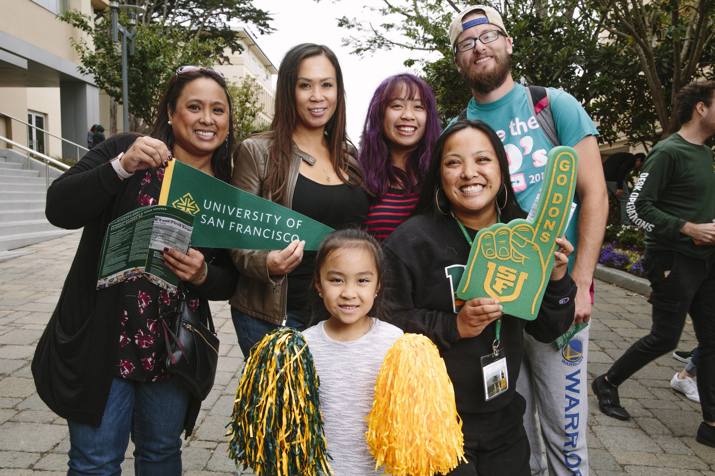 Students and family on move-in day at the University of San Francisco (San Francisco, CA)