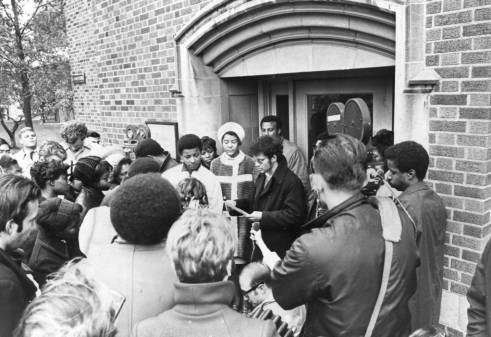 Students gather in protest outside O'Hara Hall in 1969 (photo by Marquette University)
