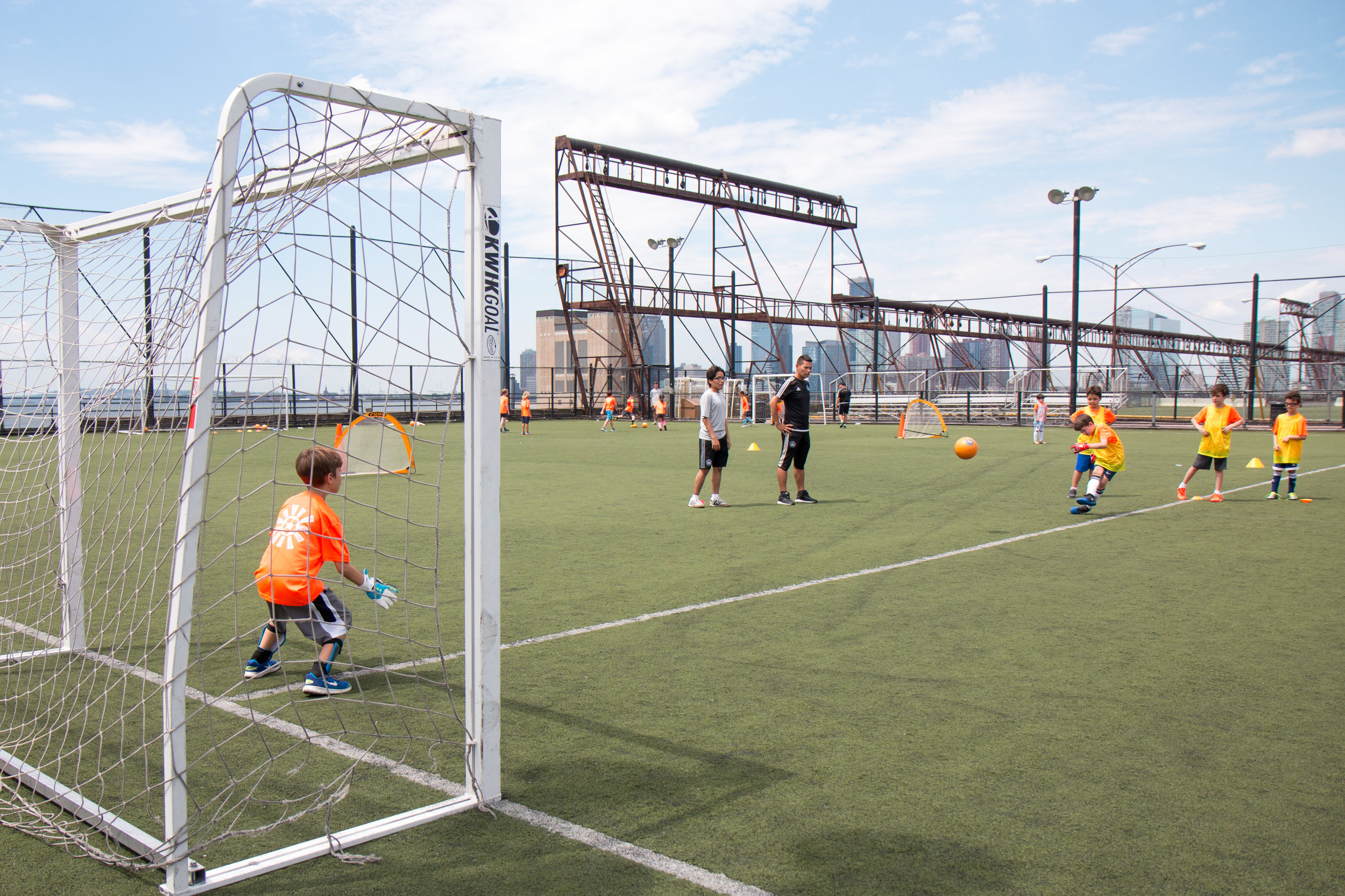 DUSC-downtown-united-soccer-club-youth-new-york-city-summer-camp–17–01.jpg