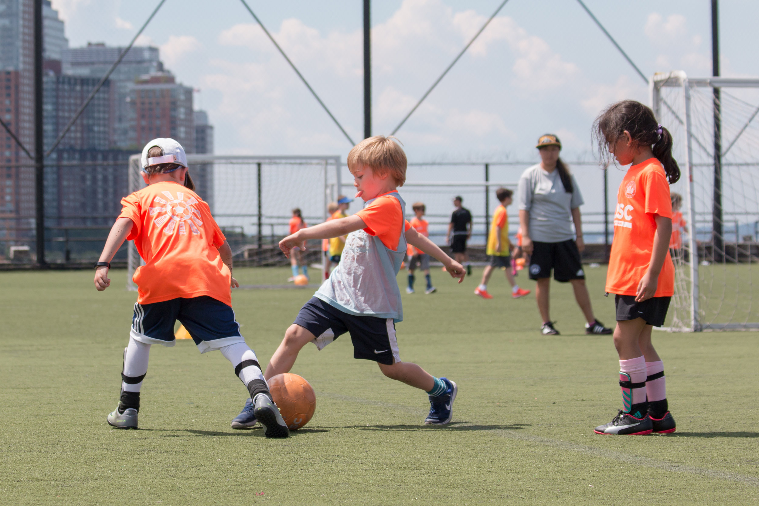 DUSC-downtown-united-soccer-club-youth-new-york-city-summer-camp–17–05.jpg