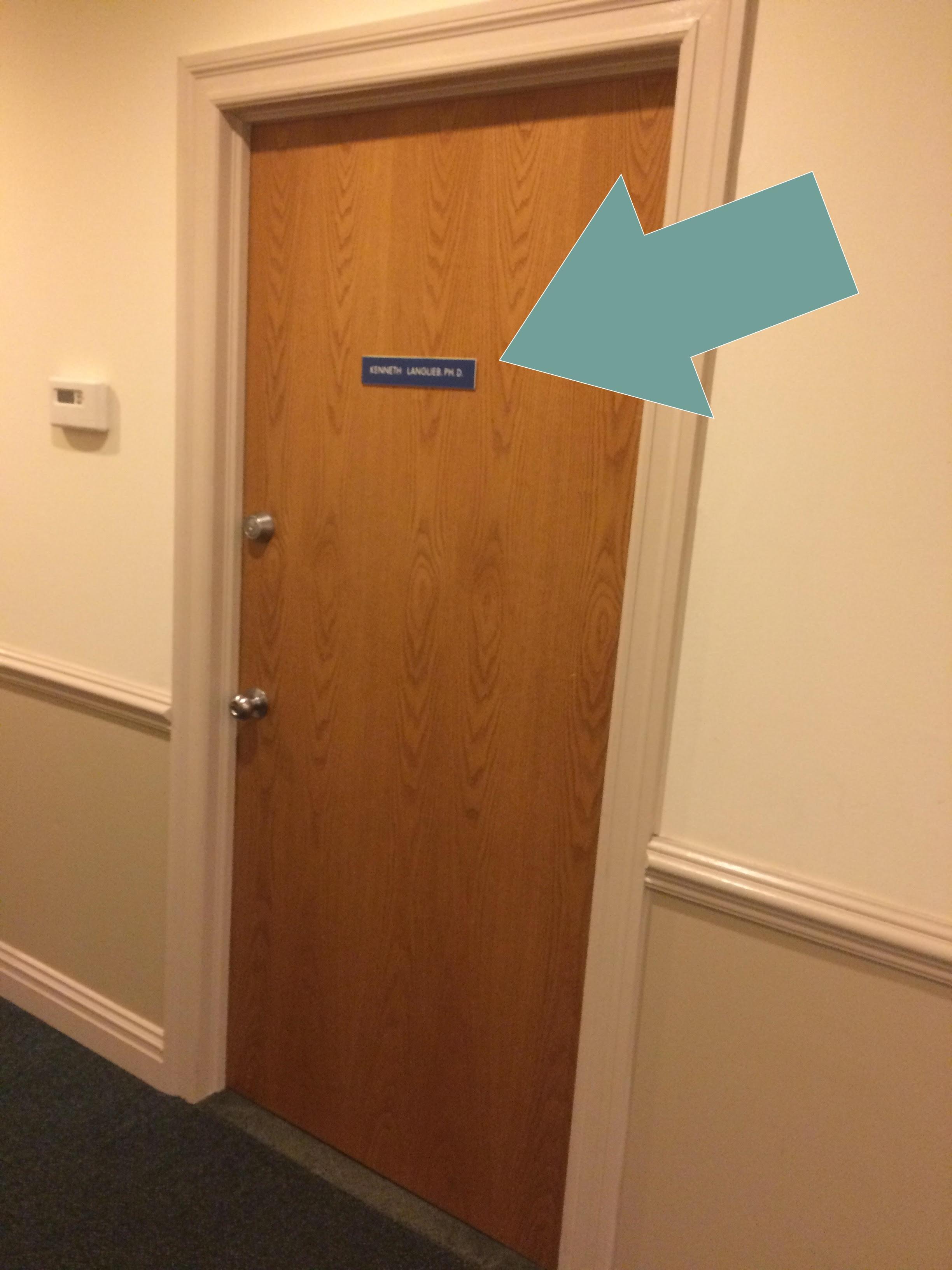 Emily_Austein_Psychotherapy_Entrance_Door.jpg