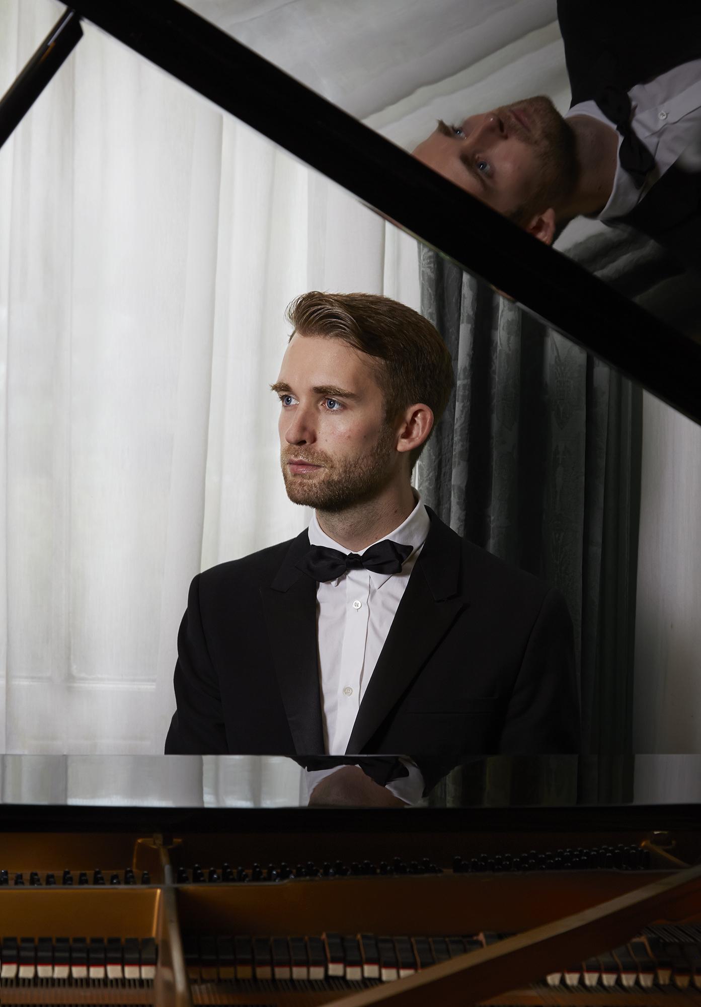 Mark Piano
