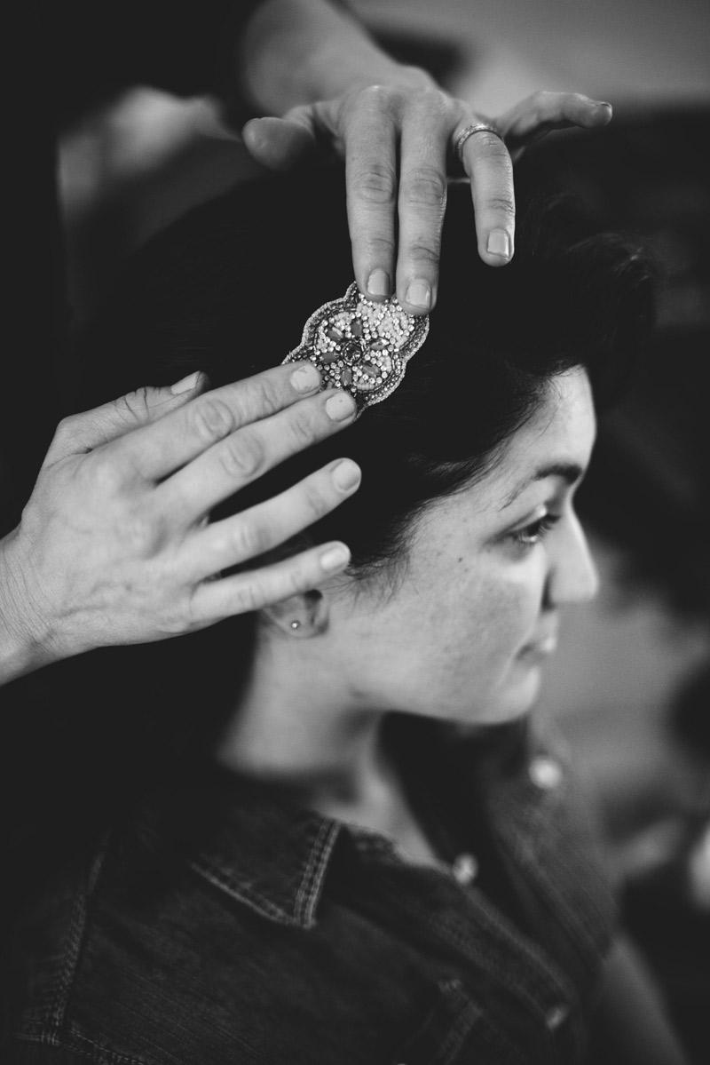 ceviche orlando wedding: bride brooch in hair