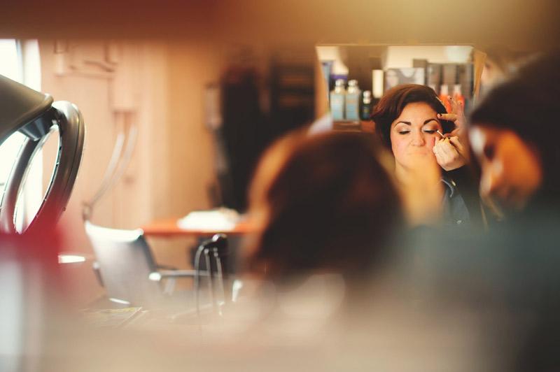 ceviche orlando wedding: bride getting make up done