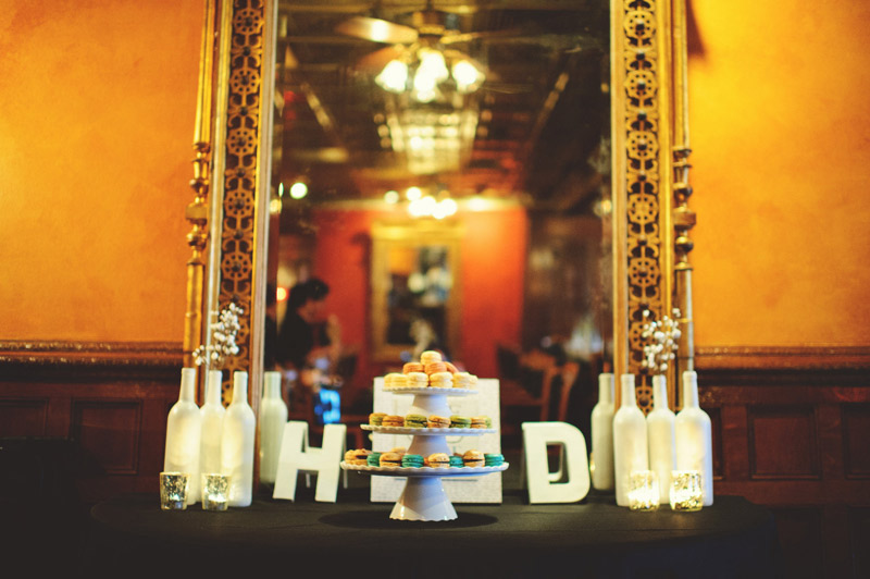 ceviche orlando wedding: macaroon cake